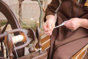 Spinning wool wheel