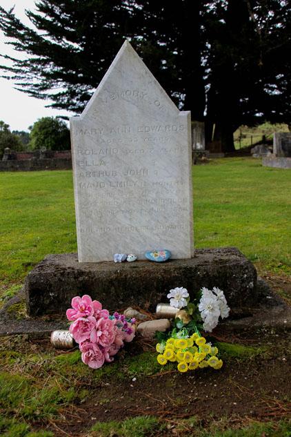 Ormondville Edwards family grave